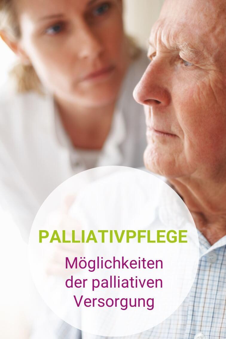 Pflegebedürftiger Senior mit seiner Betreuerin